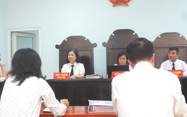 Bác đơn kiện Công ty Coca - Cola Việt Nam sản xuất sản phẩm có dị vật