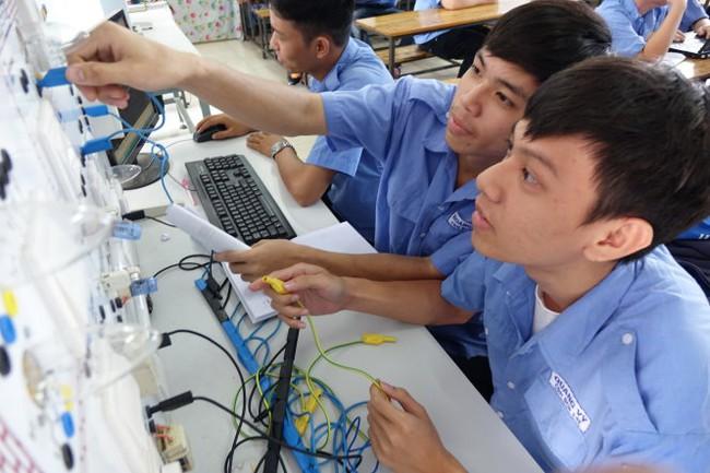 Năng suất lao động Việt Nam: Nửa thế kỷ nữa mới bắt kịp Thái Lan