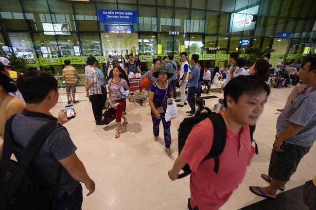 Vì sao sân bay Tân Sơn Nhất nhiễu sóng lạ?
