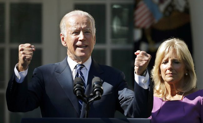 Vì sao phó tổng thống Mỹ bỏ đường đua vào Nhà Trắng?