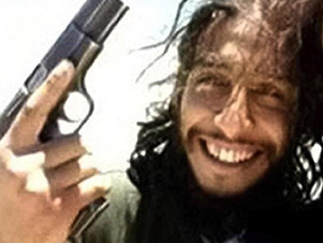 Sự thật ghê tởm về kẻ chủ mưu đánh bom khủng bố ở Paris