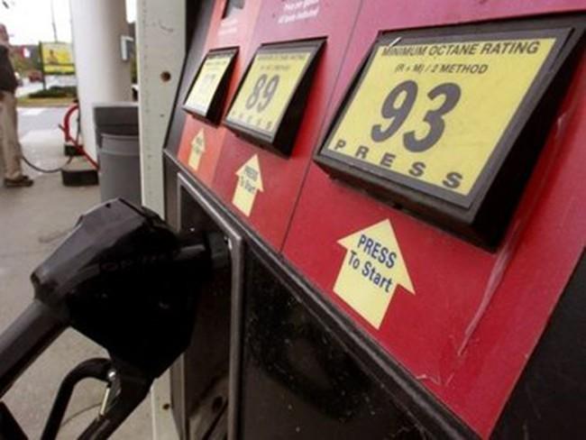 Giá dầu thị trường thế giới tiếp tục đi xuống trong tuần qua
