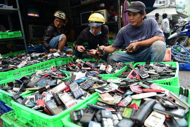Thu hồi đồ điện tử, xe máy thải bỏ có khả thi?