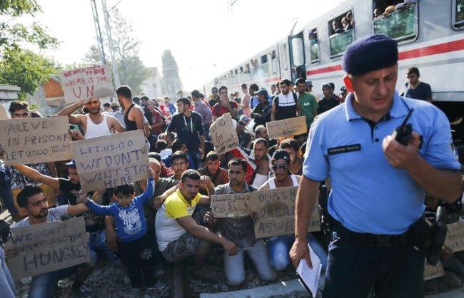 Lãnh đạo Croatia xin người di cư đừng đến đây nữa
