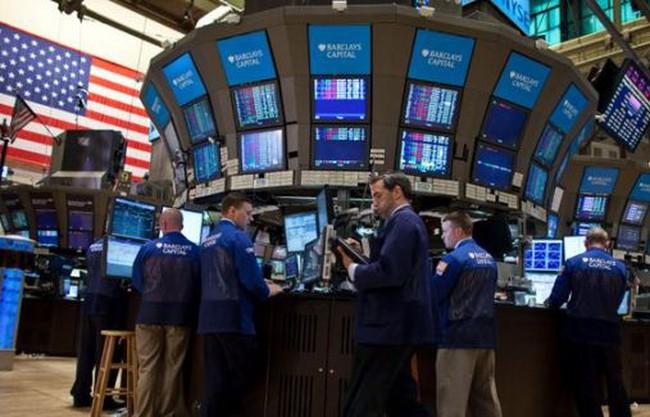 Ảnh hưởng từ trái phiếu, chứng khoán Mỹ đi ngang