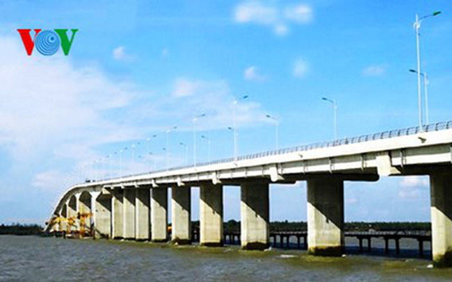 Sẵn sàng thông xe cầu Cổ Chiên nối tỉnh Bến Tre - Trà Vinh