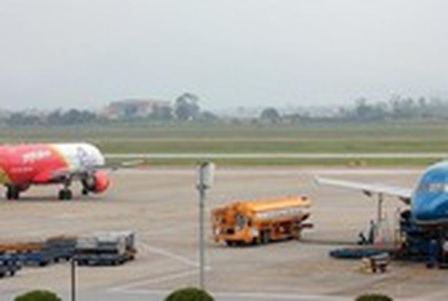 Sân bay Cát Bi hỏng đường băng không phải do nắng nóng
