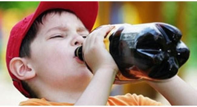 10 câu hỏi người tiêu dùng dành cho Coca-Cola VN sau vụ kiện chai cam ép