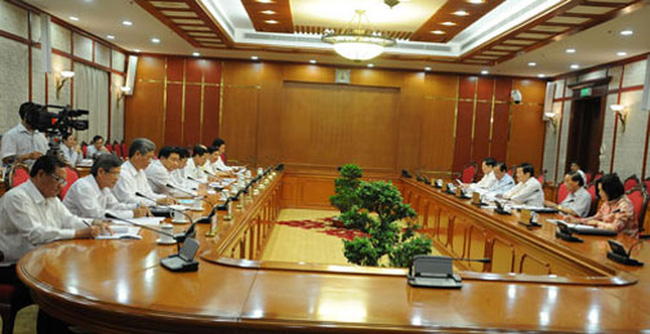 Bộ Chính trị làm việc với các đảng bộ trực thuộc TW về chuẩn bị Đại hội