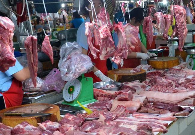 """Thịt """"độc"""" ra chợ"""