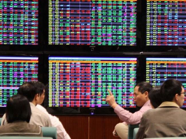 Dòng tiền trở lại, sắc xanh tỏa khắp thị trường