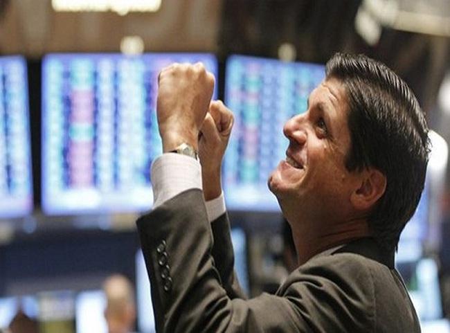 """VnIndex tăng 15 điểm- """"mưa rào sau nắng hạn"""""""