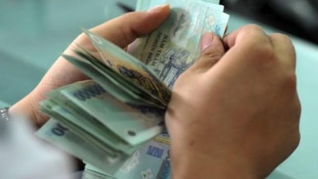 Sổ tiết kiệm: Có thể gửi bằng tiền lẻ, ủy quyền cho người khác nhận lãi