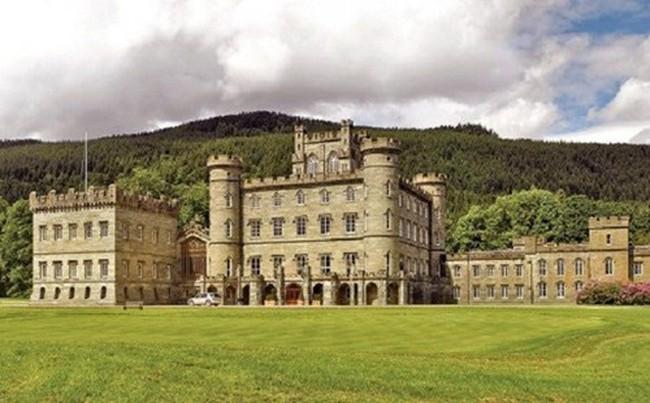 Đại gia Trung Quốc thi nhau vung tiền tậu lâu đài cổ ở châu Âu