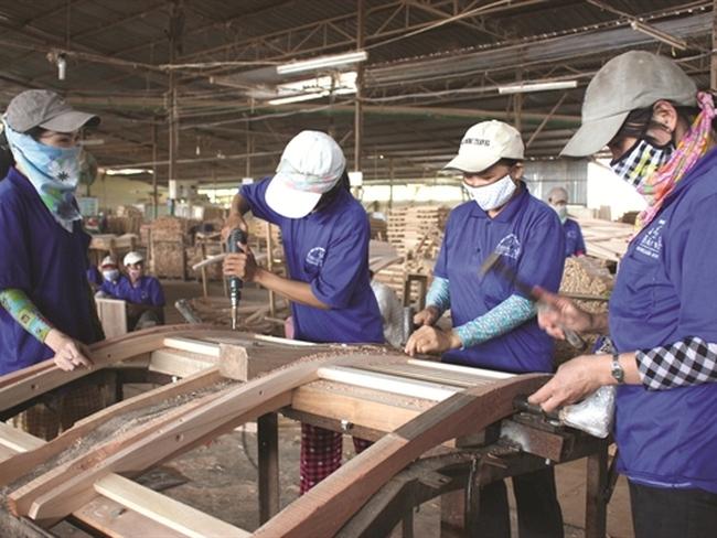 Báo động về năng suất lao động Việt Nam