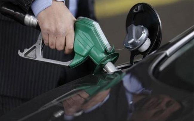 Giảm liền 4 phiên, giá dầu xuống thấp nhất 6 năm