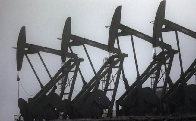 Giá dầu giảm sâu vì USD lên giá