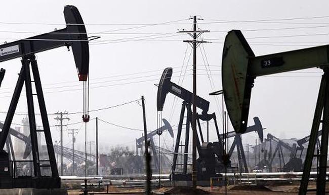 Giá dầu tiếp tục giảm mạnh