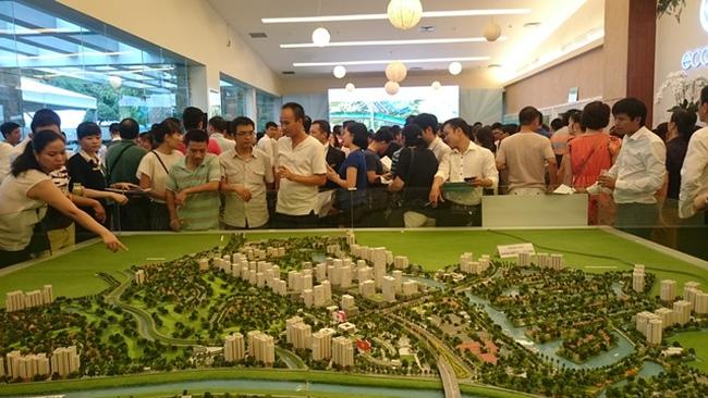 Địa ốc Hà Nội: Cung cực lớn, giá vẫn tăng