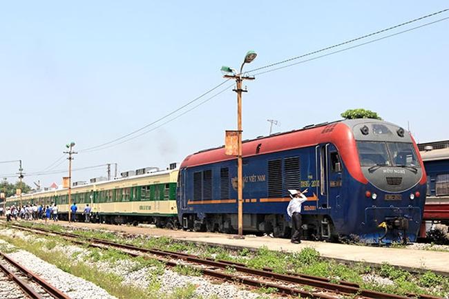 CPH đường sắt Hà Nội: Cách nào giải bài toán lao động dôi dư?