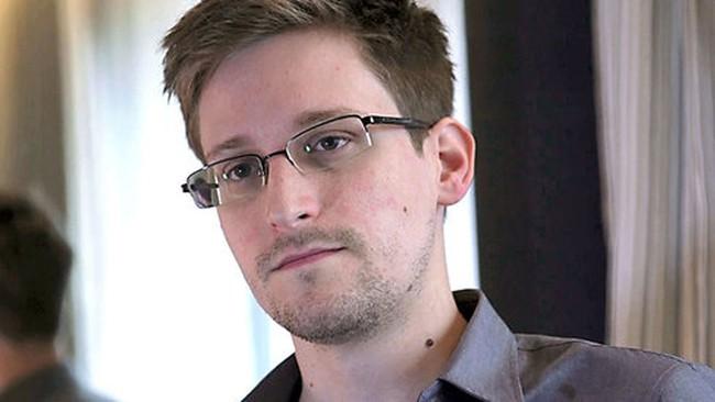Edward Snowden bị buộc tội gián tiếp gây ra thảm sát Paris