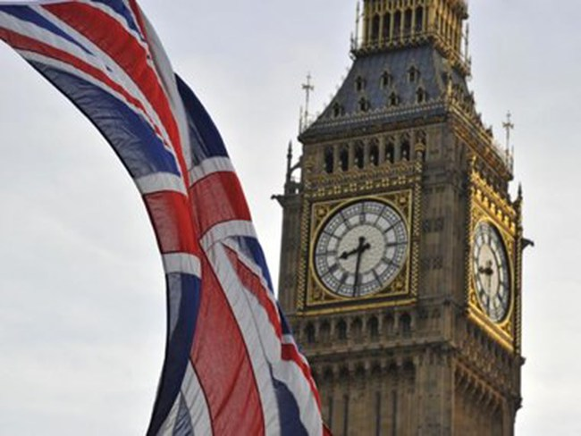 Nước Anh giữ nguyên lãi suất bất chấp những rủi ro từ bên ngoài