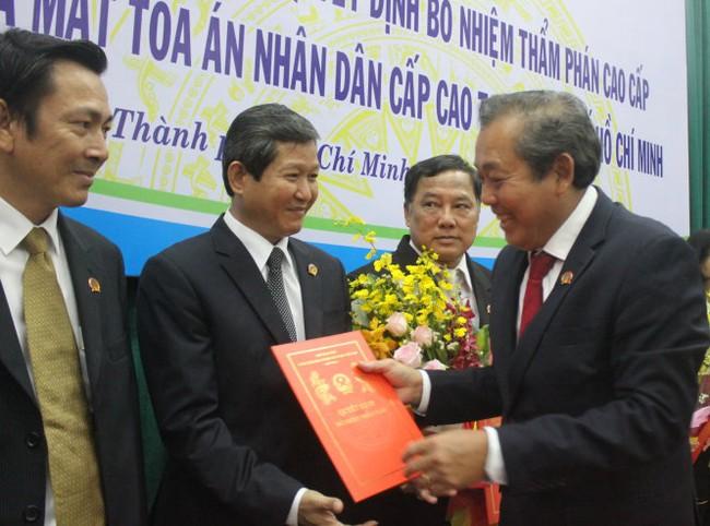 Trao quyết định bổ nhiệm thẩm phán TAND cấp cao tại TP.HCM