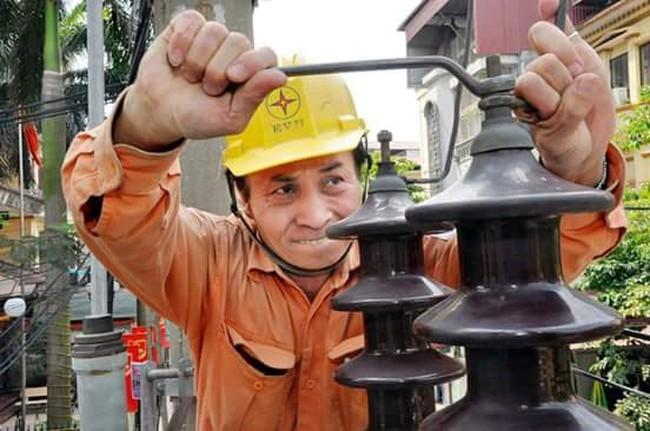 EVN đề nghị không mua điện Trung Quốc 4 tháng mùa mưa