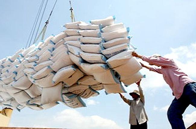 Đã xuất khẩu hơn 2 triệu tấn gạo