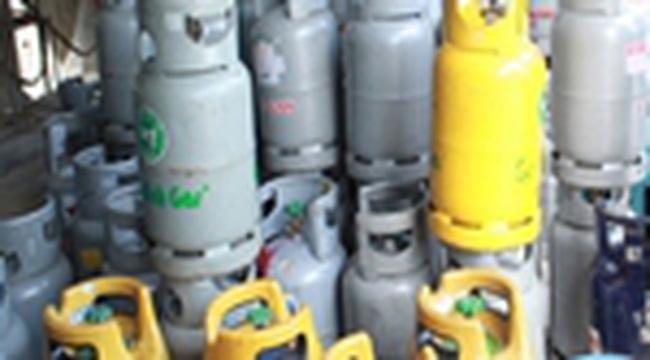 Giá gas tăng 17.000 đồng/bình 12kg