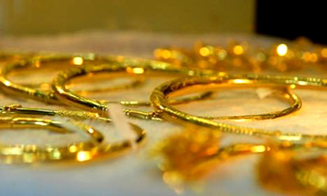 Tỷ giá và giá vàng cùng tăng trong sáng đầu tuần