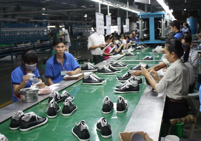 Giày Đông Anh được bán đấu giá với giá khởi điểm 302.000 đồng/cổ phần