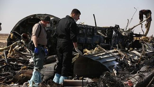 """Máy bay Nga rơi vì """"chịu tác động từ bên ngoài"""""""