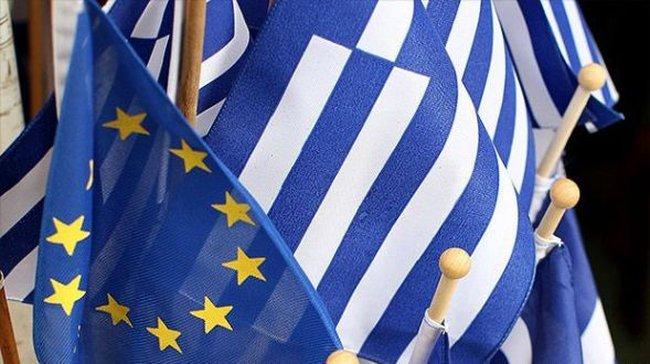 Tại sao Hy Lạp chịu nhượng bộ EU về các gói cứu trợ?