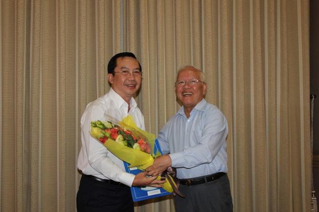 Ông Trần Thế Thuận giữ chức Chủ tịch UBND quận 1