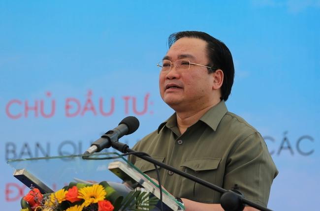 Phát lệnh khởi công đường băng sân bay Cam Ranh