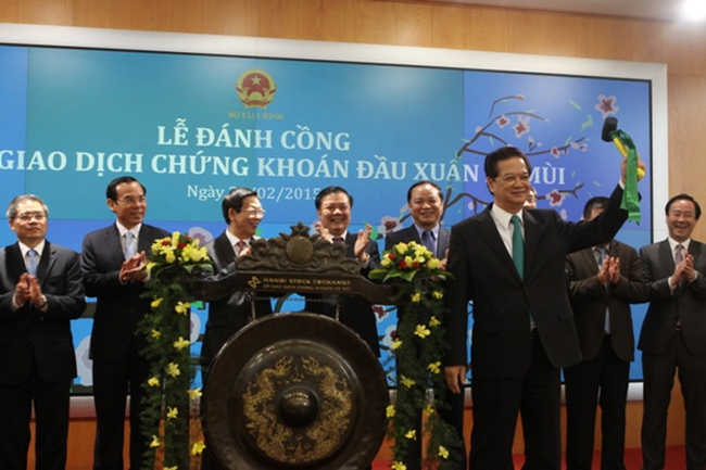 Thủ tướng giao 3 nhiệm vụ phát triển thị trường chứng khoán 2015