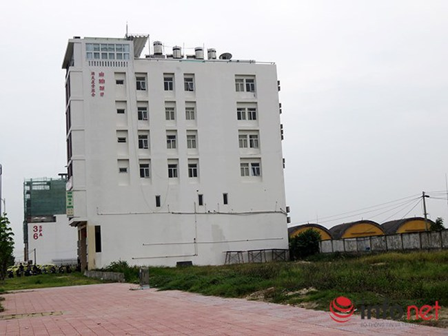 Nhà cao tầng nghi của người Trung Quốc áp sát, nhòm ngó sân bay Nước Mặn?