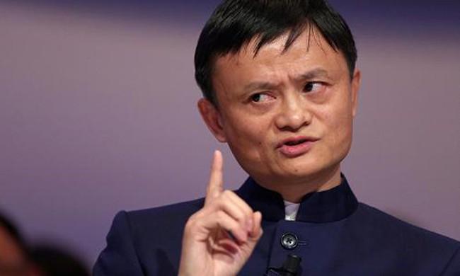 'Gã khổng lồ' Alibaba bị cáo buộc bán hàng hiệu nhái