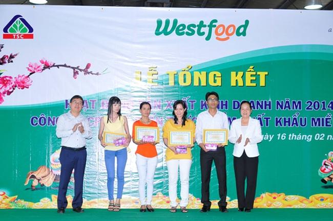 West Food thưởng tết 2 tháng lương cho CBCNV