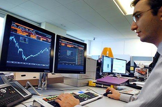 Khối ngoại bán ròng 324 tỷ đồng trong ngày thị trường đỏ lửa