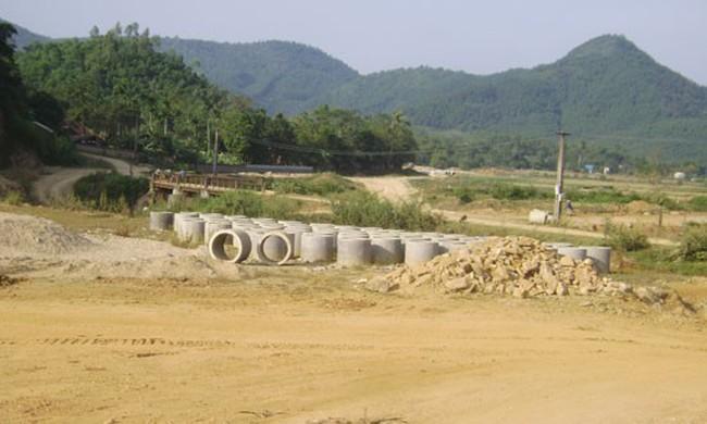 Dự án đường Hòa Lạc-Hòa Bình chậm tiến độ do vướng mặt bằng