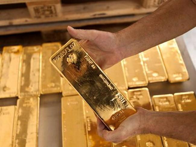 Bảy ngân hàng lớn bị điều tra do thâu tóm giá kim loại quý