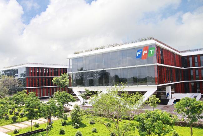 Lợi nhuận trước thuế 5 tháng của FPT tăng trưởng 12%
