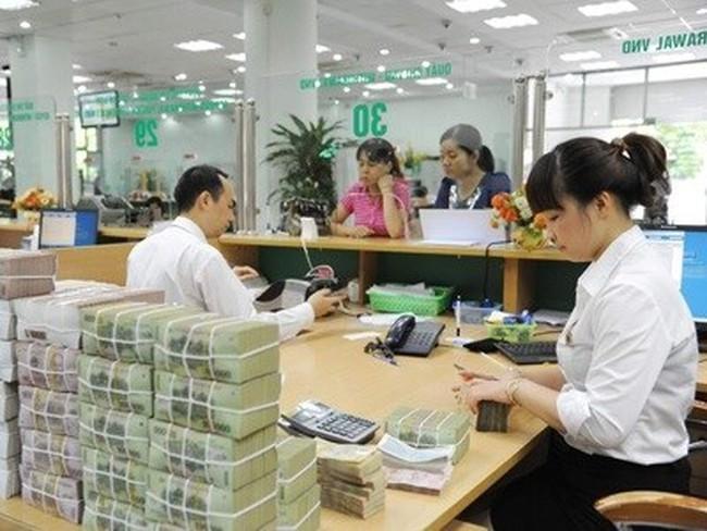 Nhân viên ngân hàng tạo ra lợi nhuận gấp nhiều lần thu nhập