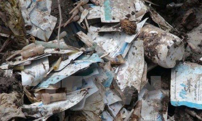 Phạt một bệnh viện tư nhân 1,4 tỷ đồng do chôn rác thải trái phép