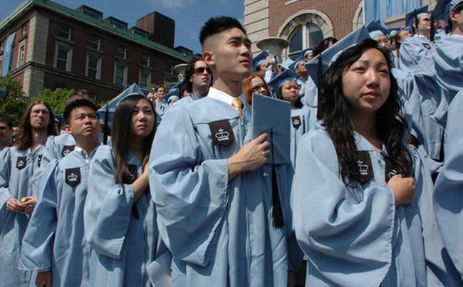 Tại sao người gốc châu Á thành công tại Mỹ?