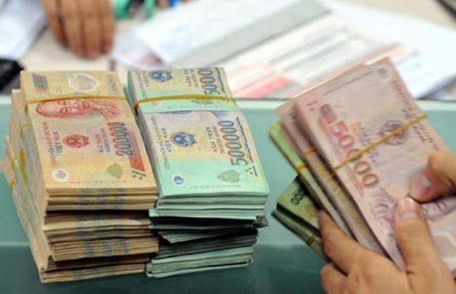 Chi 71.000 tỷ đồng để trả nợ và viện trợ trong 6 tháng