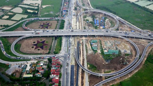 Thông xe nút giao cầu Thanh Trì - QL5 hình hoa thị