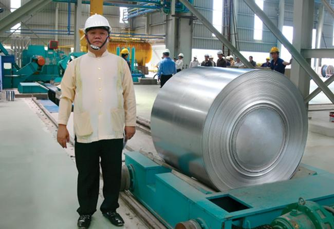 """Công ty riêng của ông Lê Phước Vũ """"trao tay"""" 8,8 triệu cổ phiếu cho...vợ ông Vũ và công ty riêng"""
